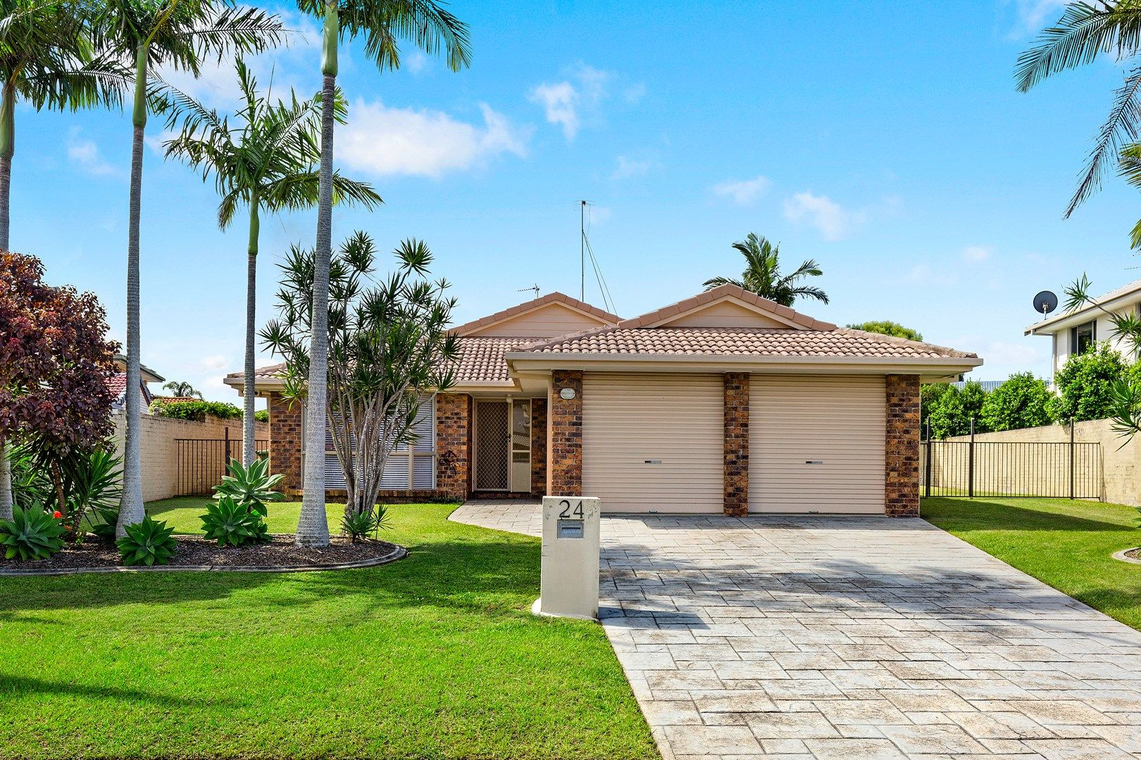 24 Cayman Drive, Clear Island Waters QLD 4226, Image 0