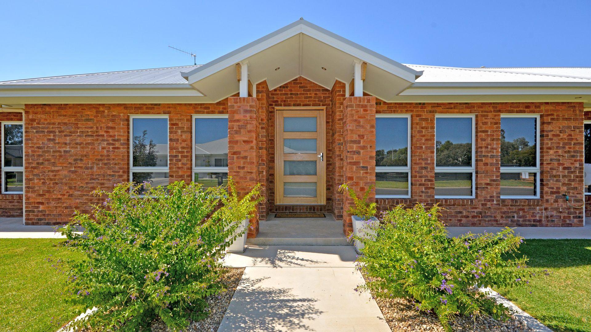 17 Ellendon Place, Leeton NSW 2705, Image 1