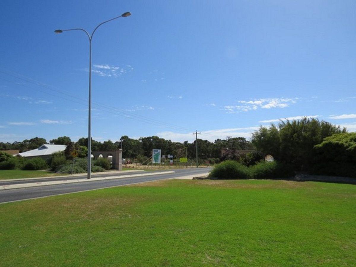 137 Paperbark Avenue, Gabbadah WA 6041, Image 2