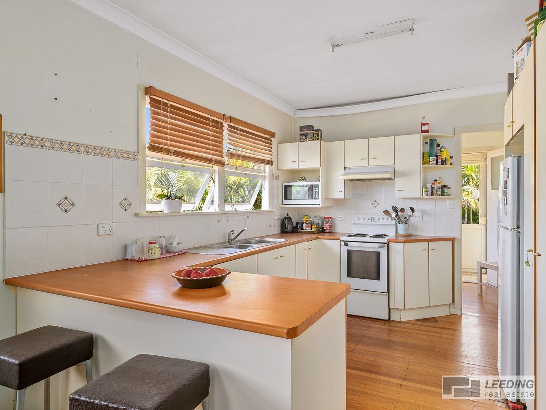 19 Deans Street, Clontarf QLD 4019, Image 2