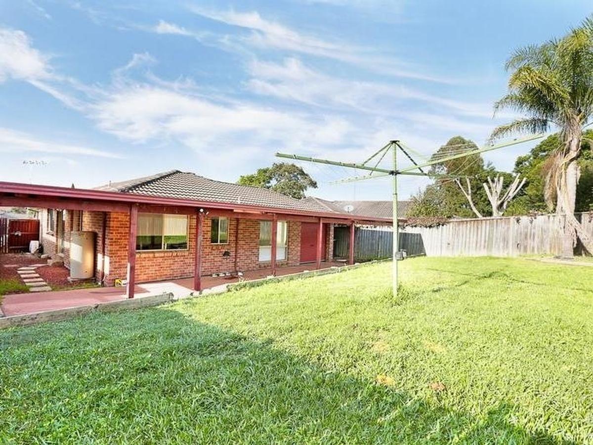 5 Sittella Place, Glenmore Park NSW 2745, Image 2