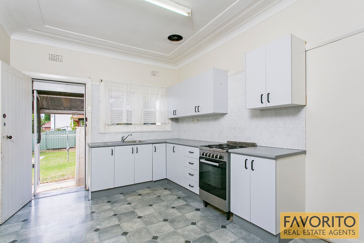 86 Coveney Street, Bexley North NSW 2207, Image 2