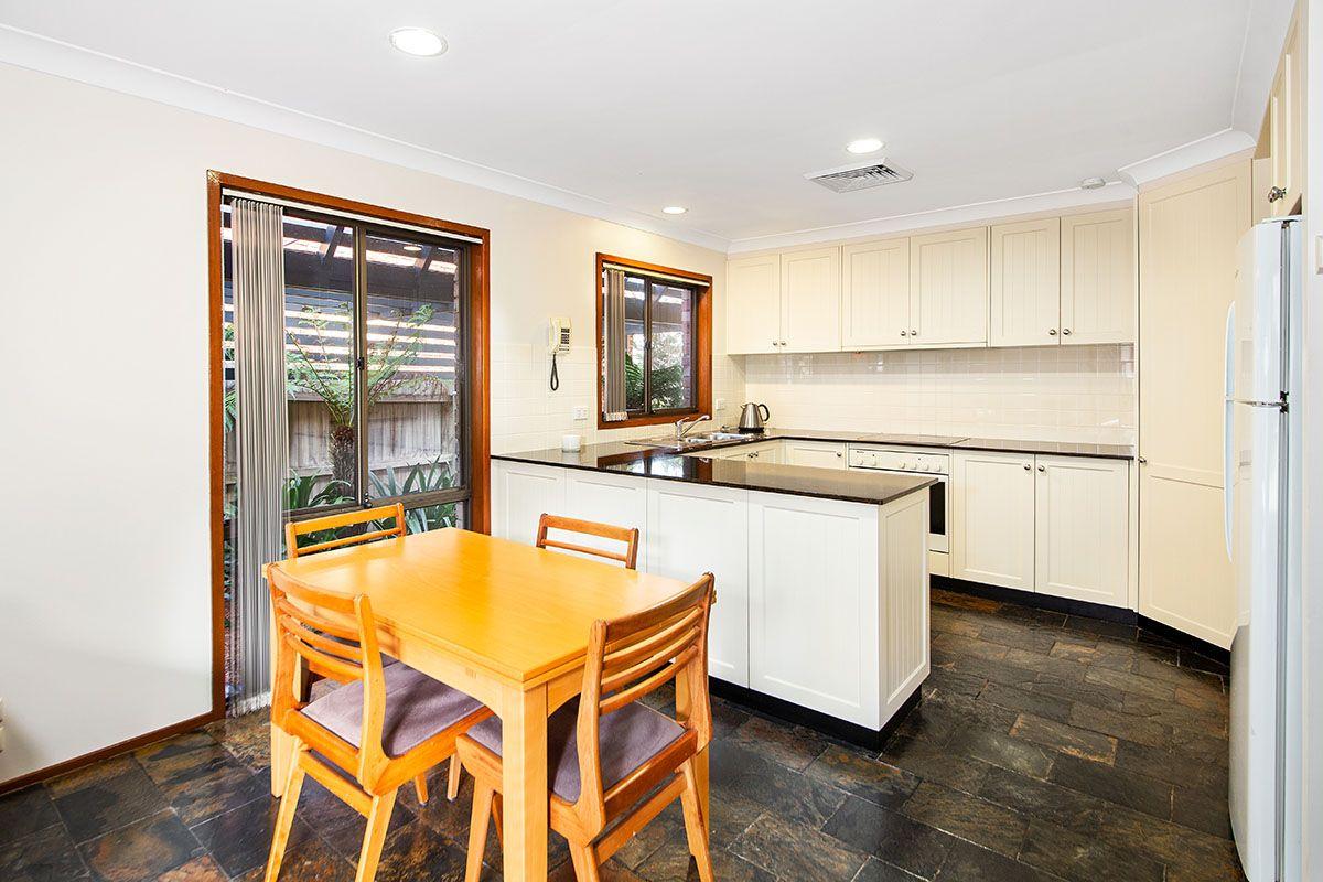 33 Redman Avenue, Illawong NSW 2234, Image 2