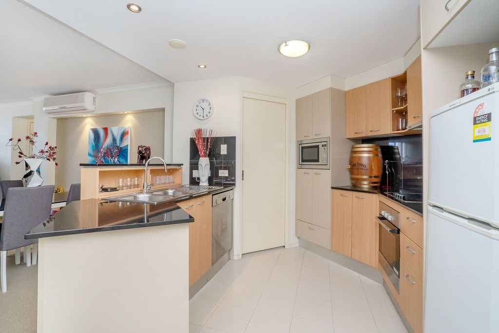 163/21 Cypress Avenue, Surfers Paradise QLD 4217, Image 1