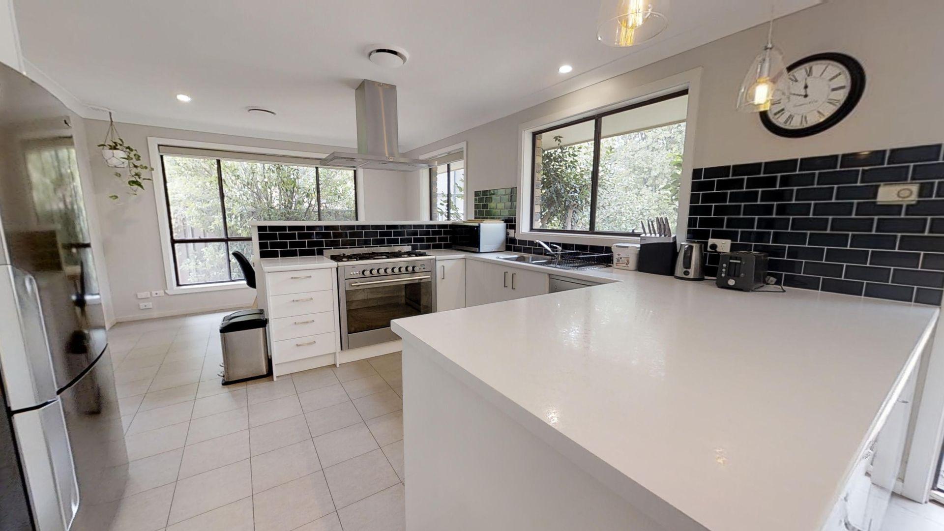 4 Noonameena Drive, Orange NSW 2800, Image 2