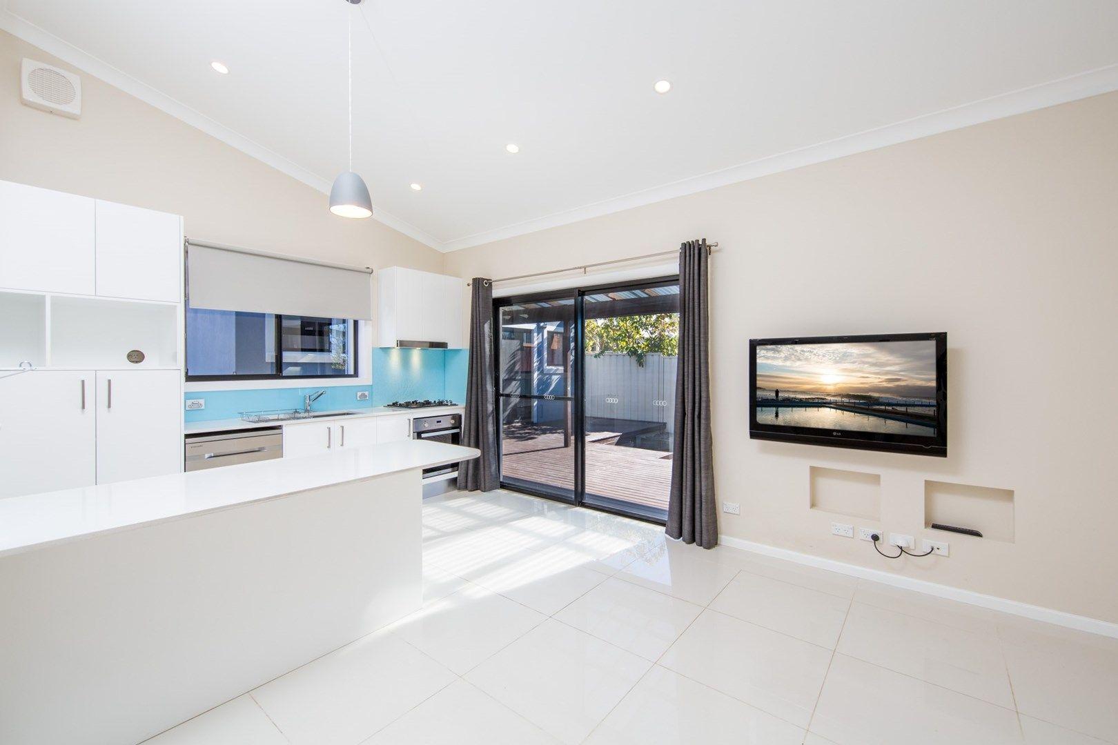 112a Warringah Road, Narraweena NSW 2099, Image 1