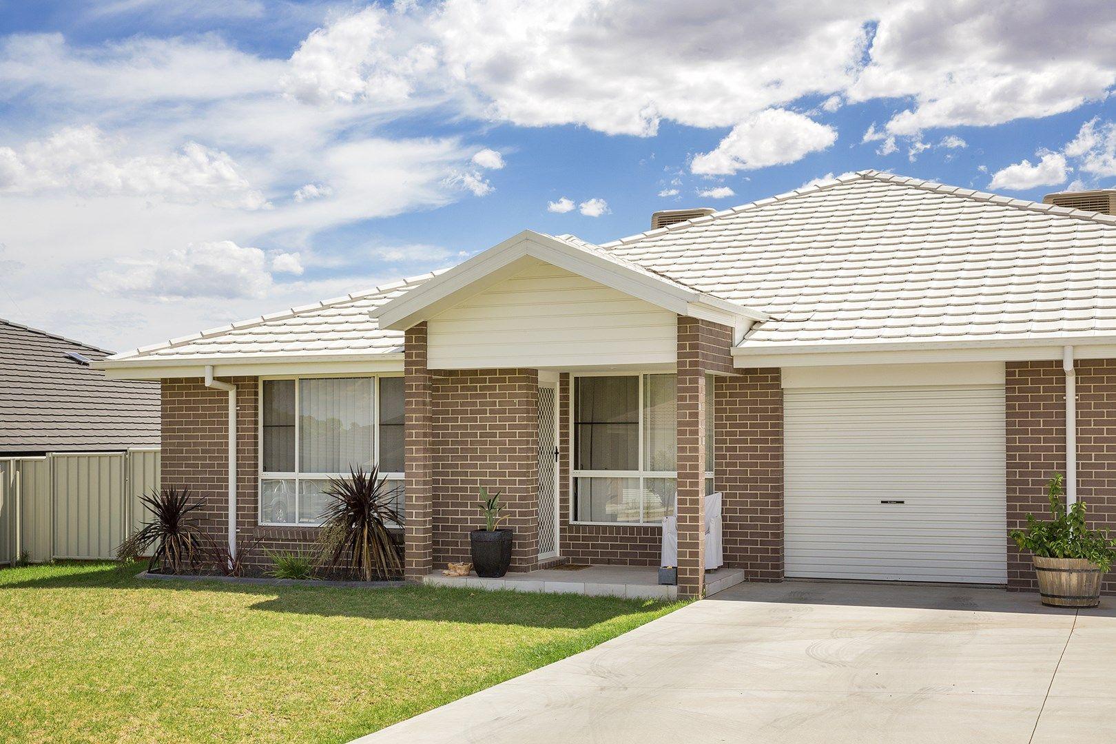 7 Lake Place, Tamworth NSW 2340, Image 0