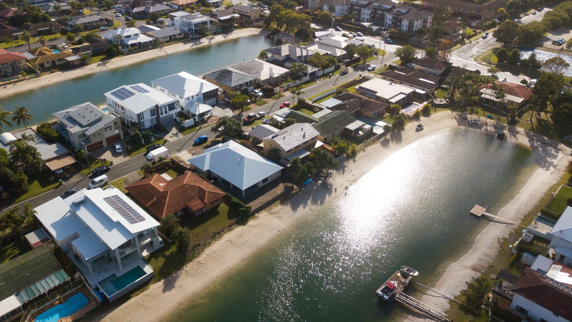 16 Marlin Court, Palm Beach QLD 4221, Image 2