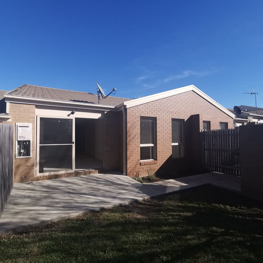 6/2 Neil Currie Street, Casey ACT 2913, Image 0