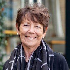 Lesley McKevett, Company Accounts