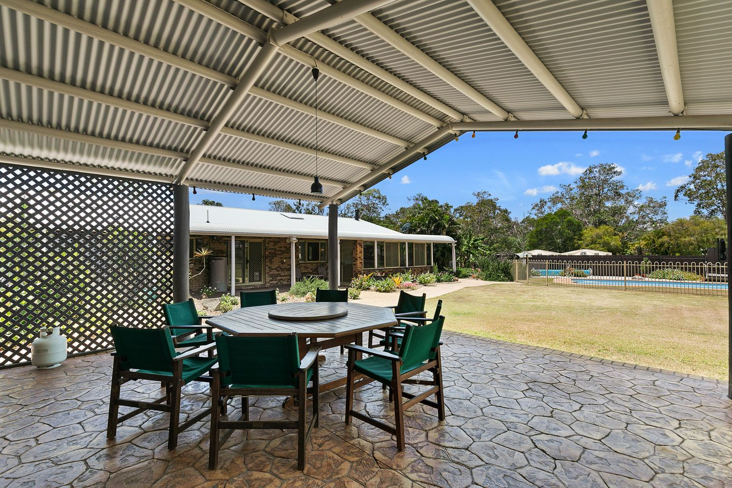 6 Mexican Court, Urangan QLD 4655, Image 0