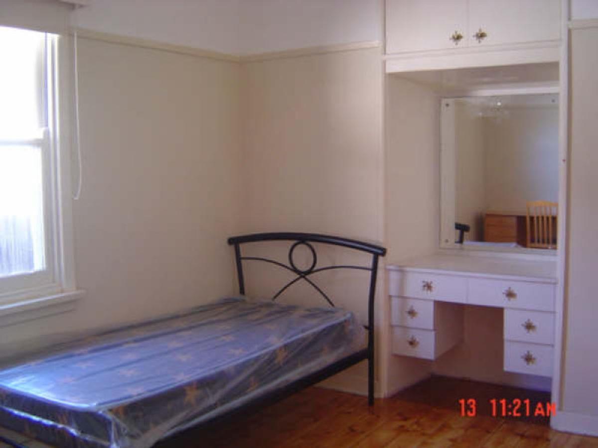 Room 3/19 Parer Street, Oakleigh VIC 3166, Image 2