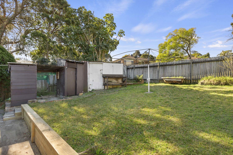 81 Bonds Road, Peakhurst NSW 2210, Image 2