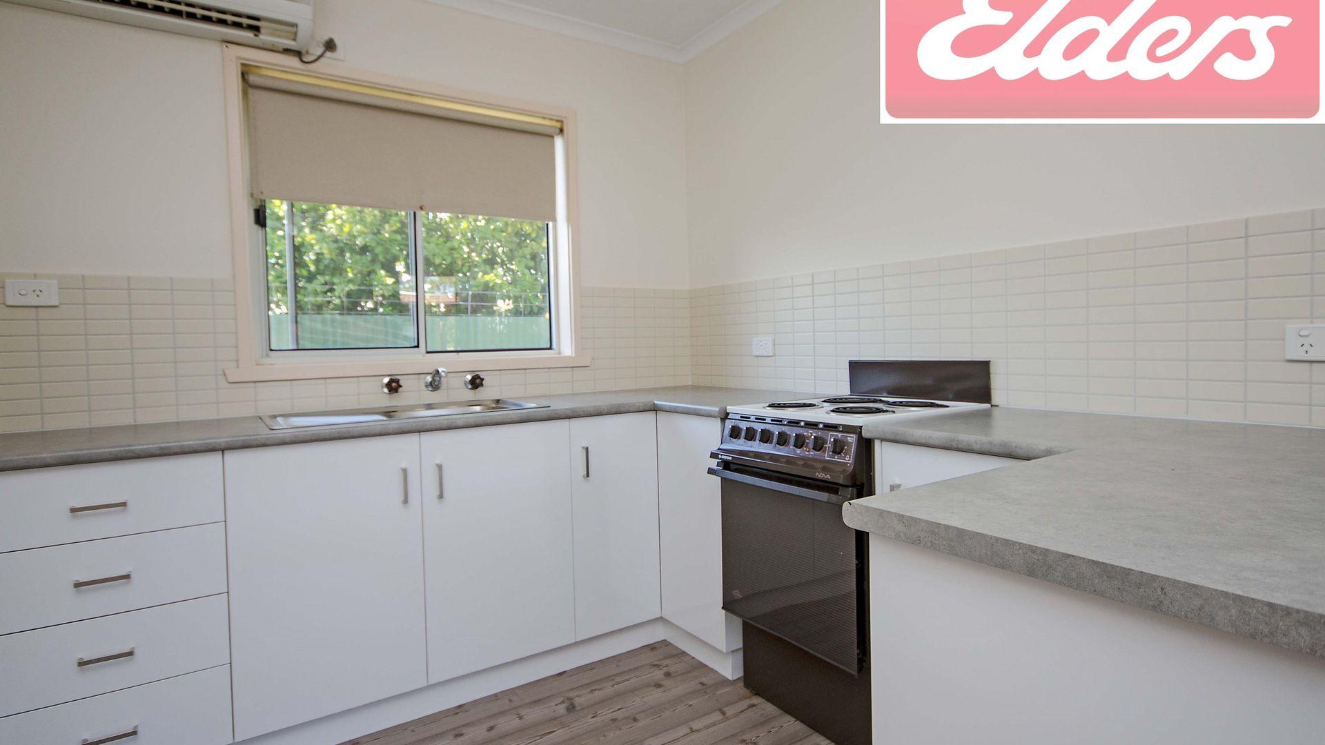 1/464 Henderson Street, Lavington NSW 2641, Image 2