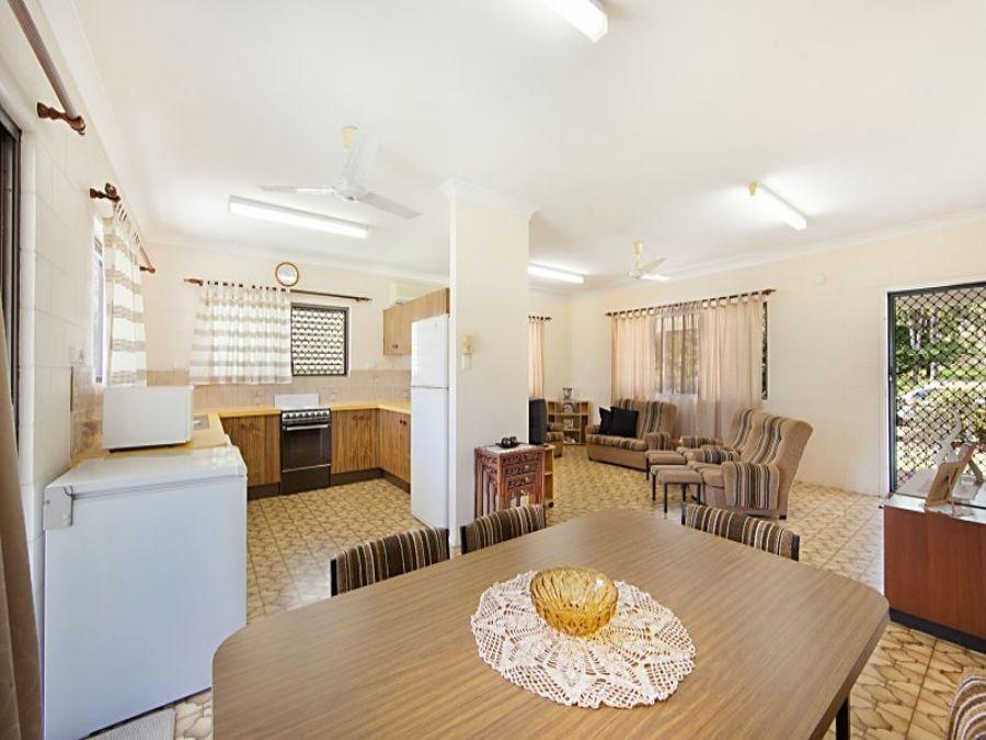 15 Tracey St, Balgal Beach QLD 4816, Image 2