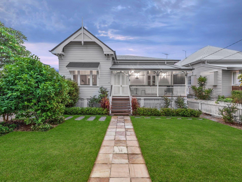 32 Roseby Avenue, Clayfield QLD 4011, Image 1