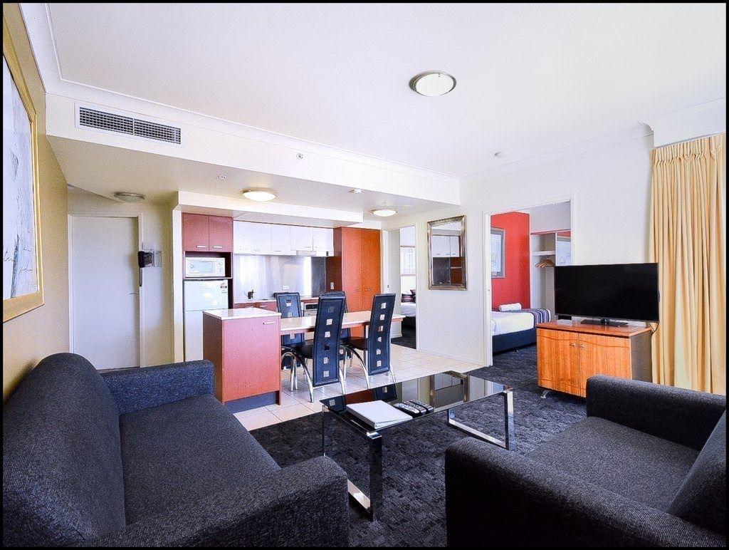 23 Ferny Avenue, Surfers Paradise QLD 4217, Image 1