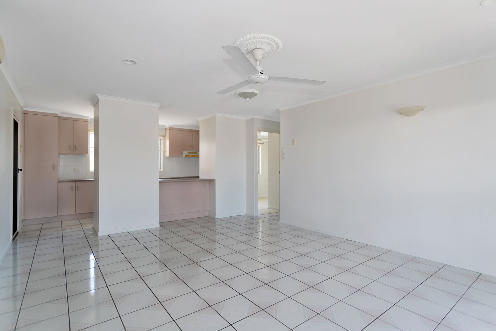 2/4 Comino Court, South Mackay QLD 4740, Image 2