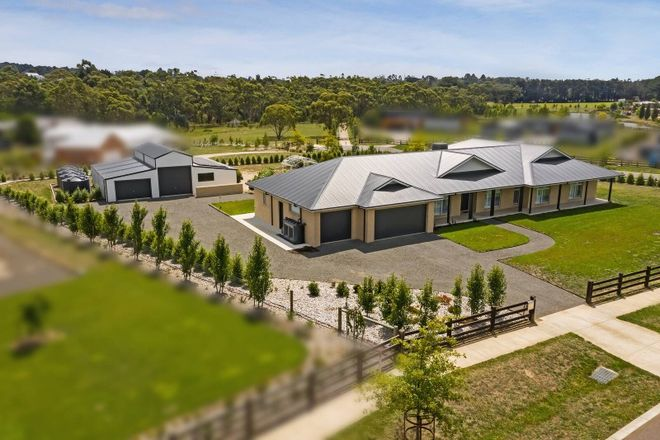 Picture of 21 Shirley Park Lane, WOODEND VIC 3442