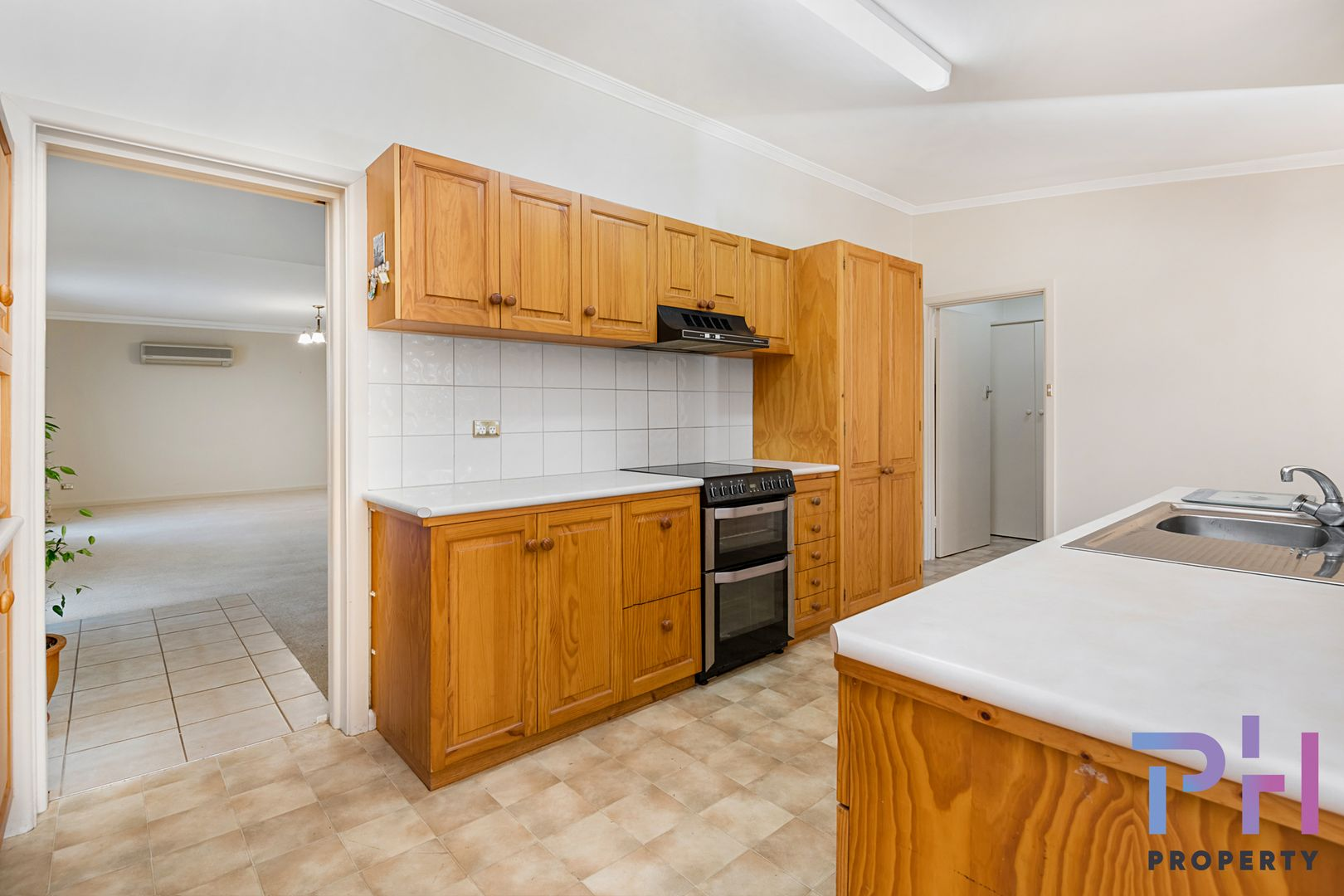 24 Shelley Street, Spring Gully VIC 3550, Image 2