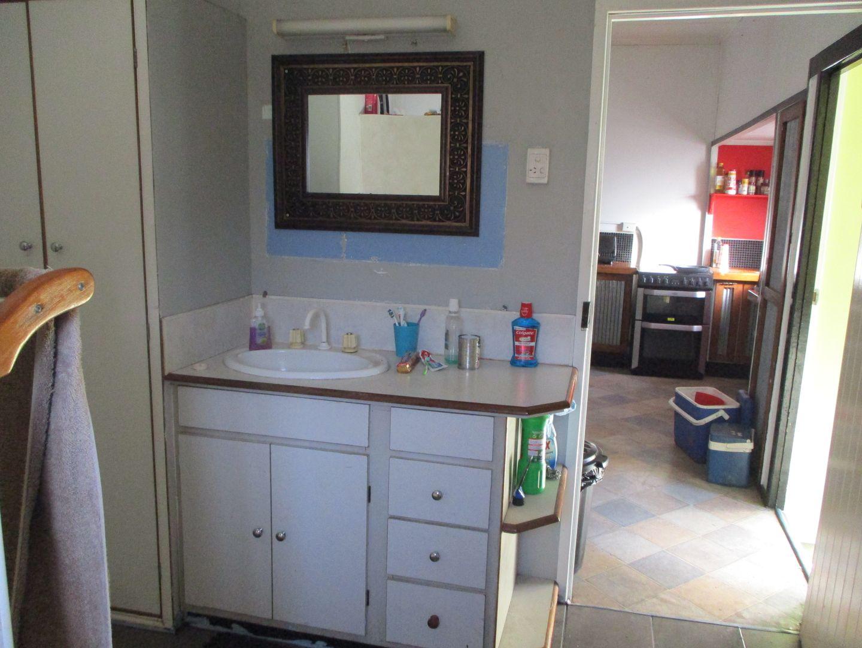 9 Pine Street, Boyne Valley QLD 4680, Image 2