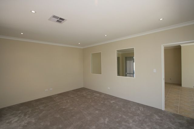 11 Pompei  Crescent, Stirling WA 6021, Image 2