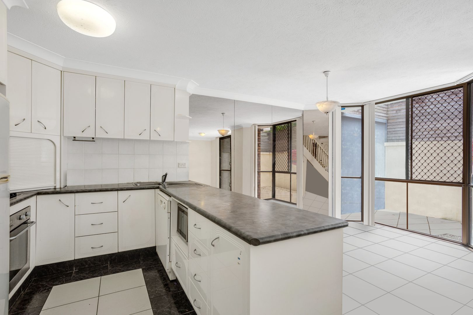 10/51 Bauer Street, Southport QLD 4215, Image 2