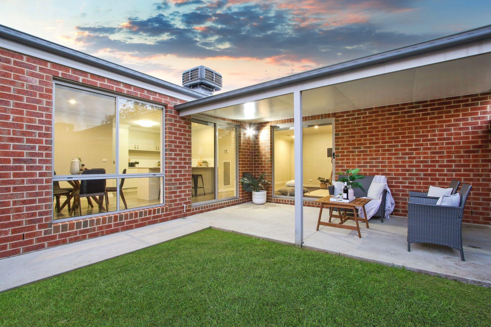 1/42 Hotham Circuit, Thurgoona NSW 2640, Image 2