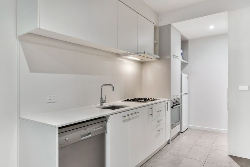 B13/660  Blackburn Road, Notting Hill VIC 3168, Image 2