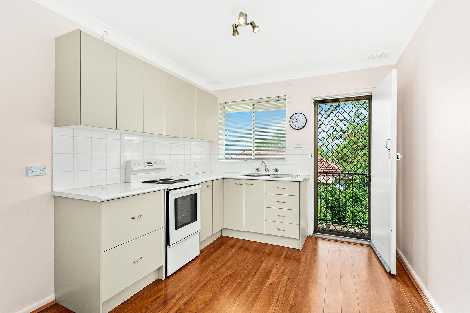 3/21 Yellagong Street, West Wollongong NSW 2500, Image 1