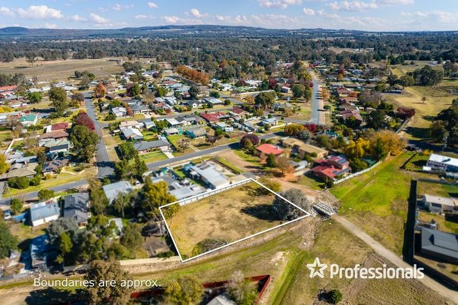 Picture of 2 Rohner Street, CHILTERN VIC 3683