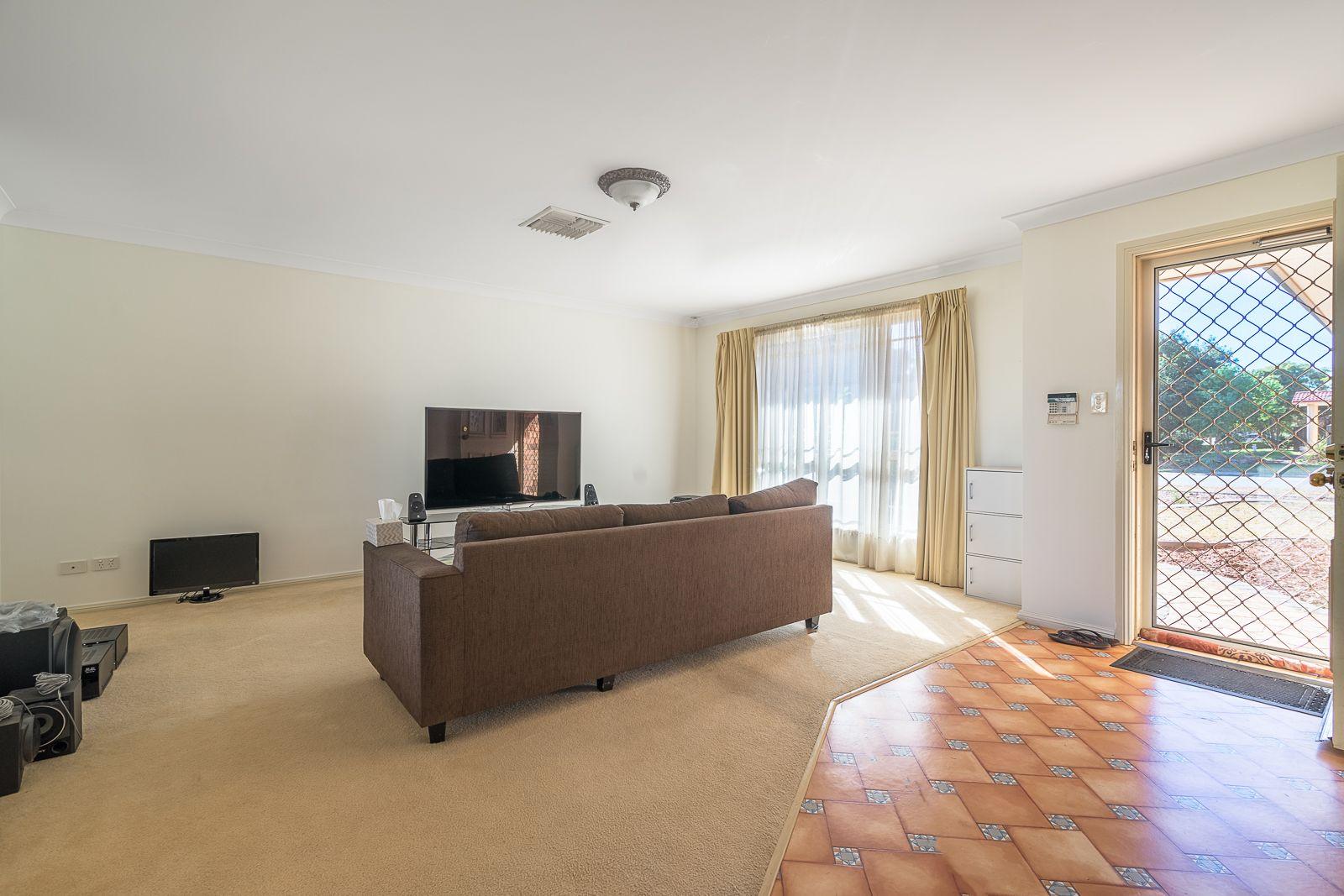 92 Twickenham Drive, Dubbo NSW 2830, Image 1