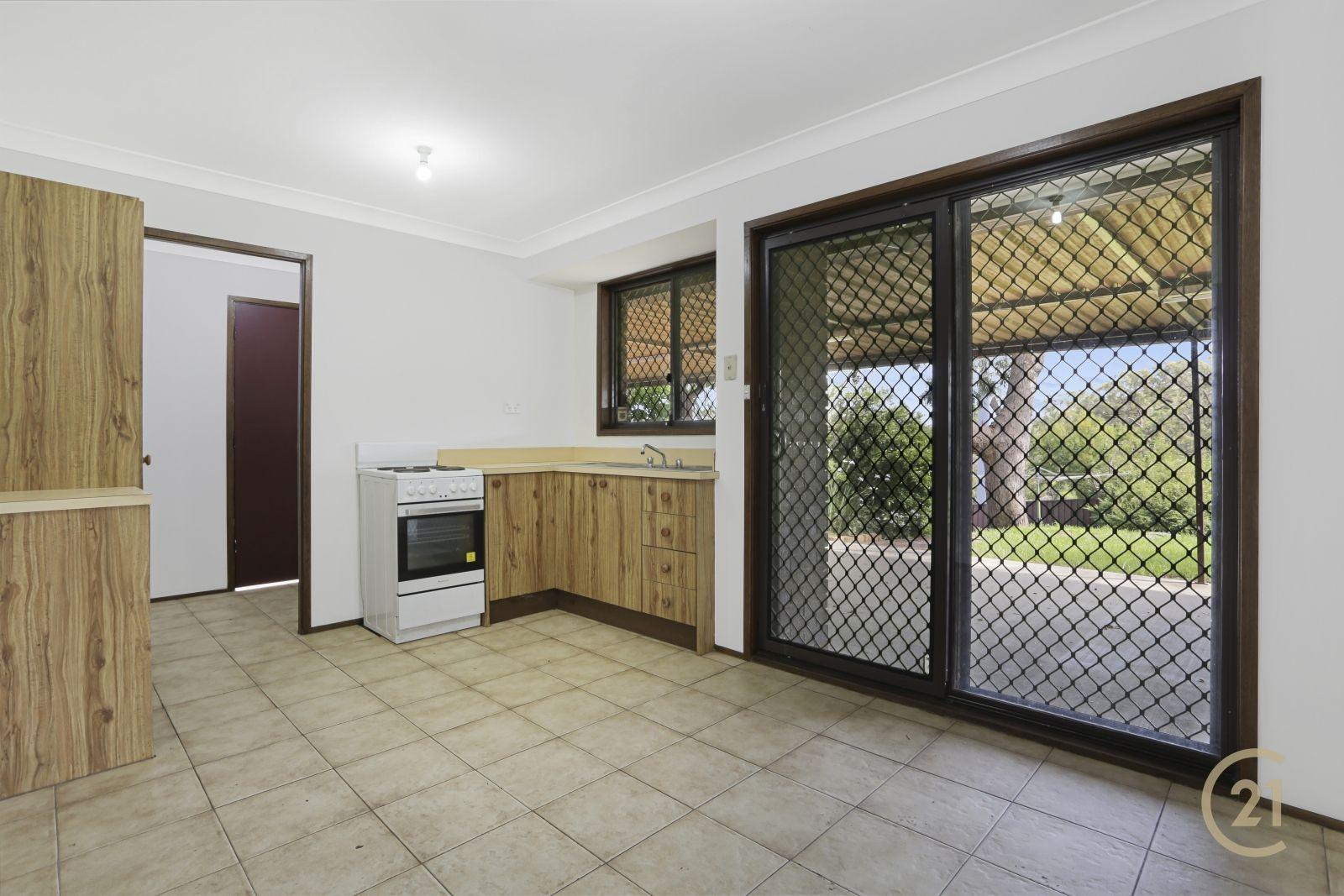 37 Haultain St, Minto NSW 2566, Image 2
