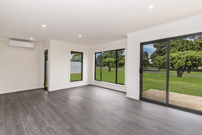 Picture of 2/76 Dowling Street, MORTLAKE VIC 3272