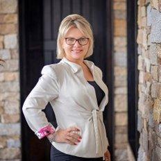 Suzana Wade, Sales representative