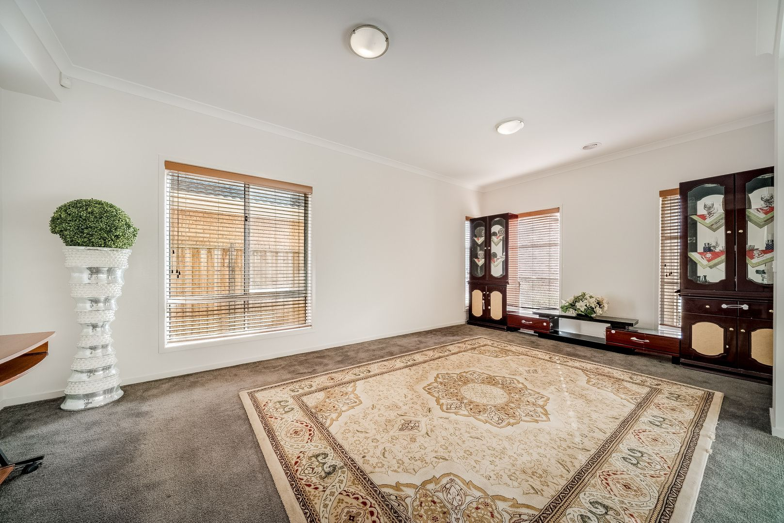 4 Outrigger Court, Point Cook VIC 3030, Image 2