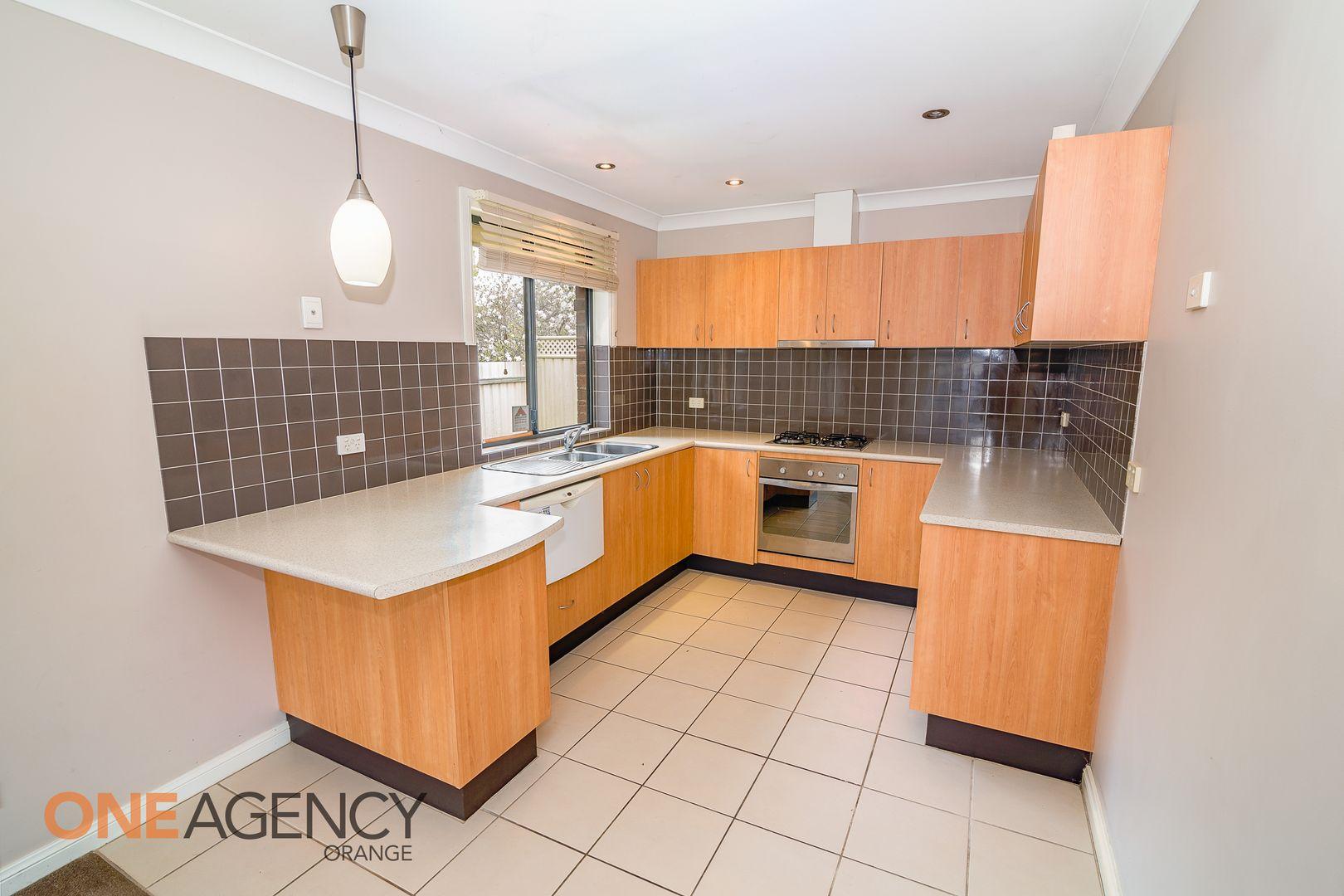 2/15 Churchill Avenue, Orange NSW 2800, Image 2