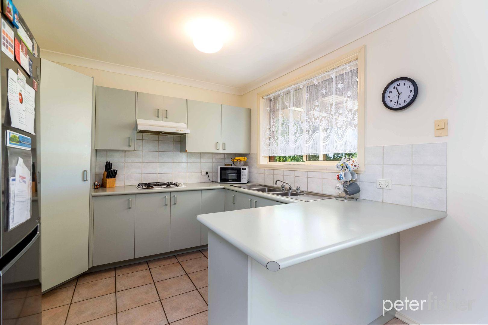 4 Agland Crescent, Orange NSW 2800, Image 2