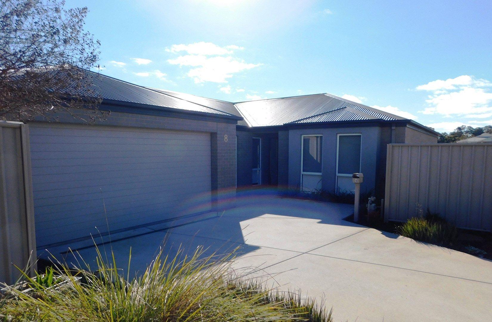 8 Grange Close, Wodonga VIC 3690, Image 0