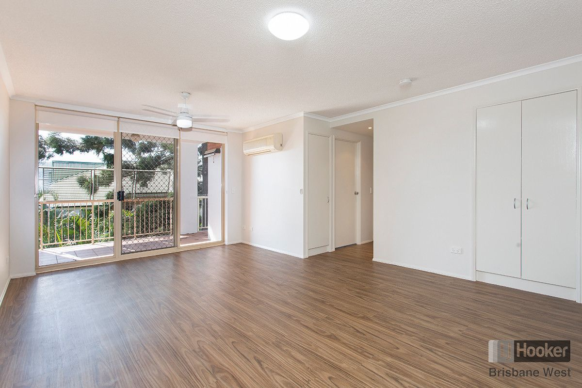 2/15 Clarence Road, Indooroopilly QLD 4068, Image 0