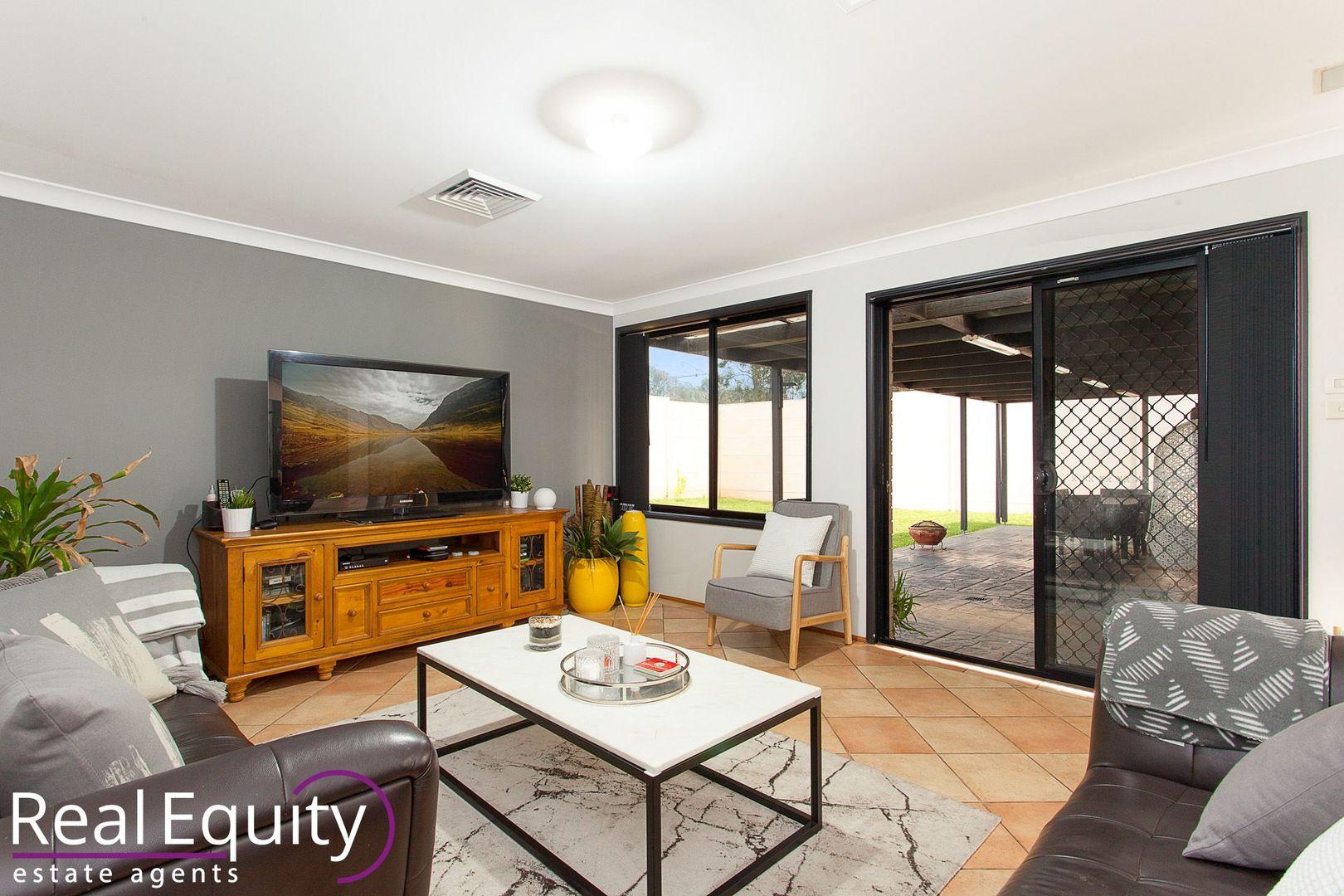 1 Punctata Court, Voyager Point NSW 2172, Image 1