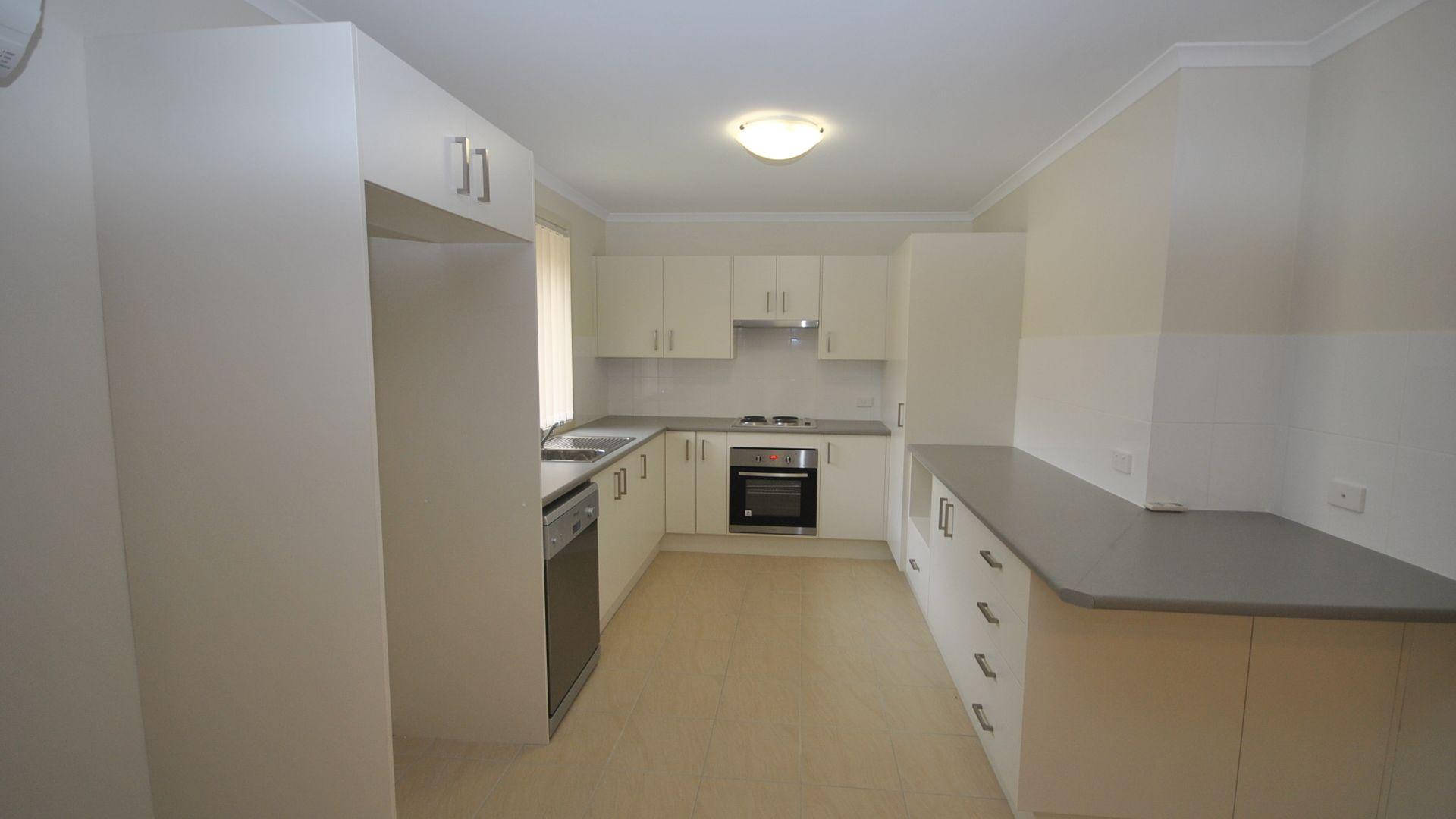 14 Candlebark Close, West Nowra NSW 2541, Image 2