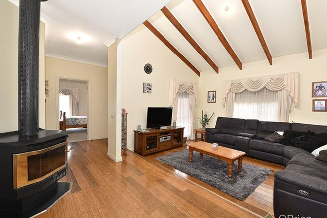 Picture of 45 Thompson Crescent, ROXBURGH PARK VIC 3064