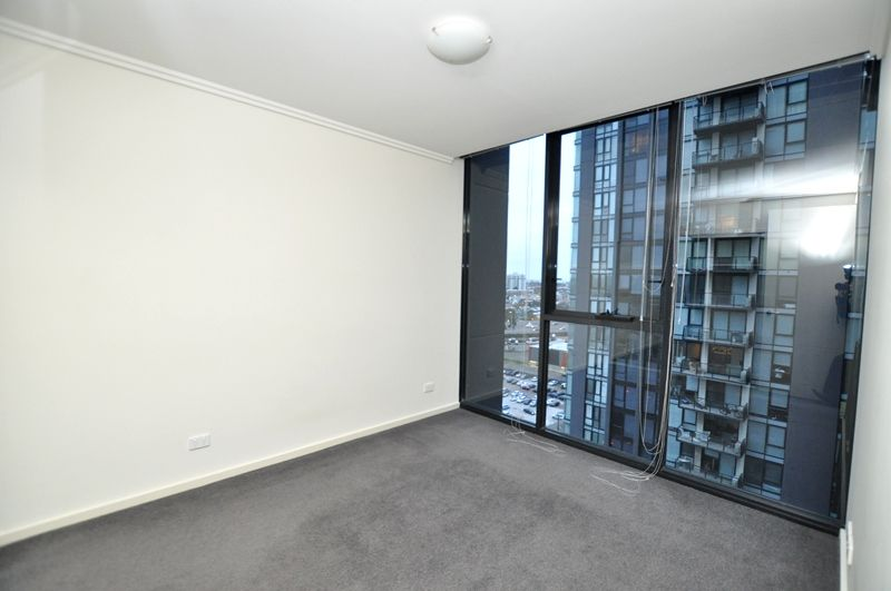 REF 081408/88 Kavanagh Street, Southbank VIC 3006, Image 2