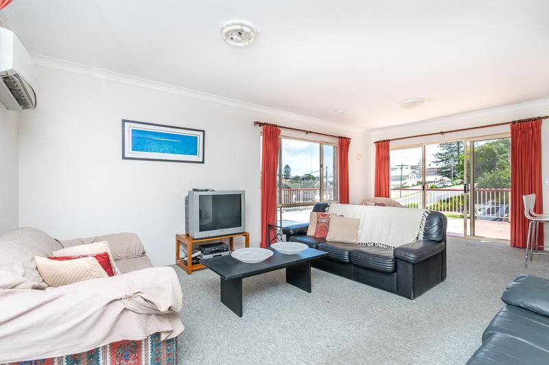 1/10 Barrington Road, Terrigal NSW 2260, Image 2