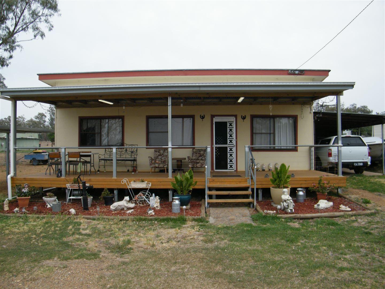 8 Johnson Street, Caroona NSW 2343