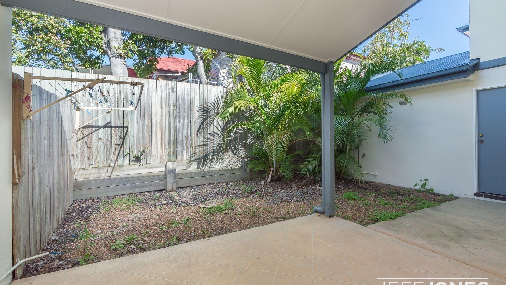 2/105 Kirkland Avenue, Coorparoo QLD 4151, Image 1