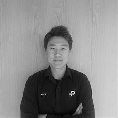 Michael Zhang, Sales representative