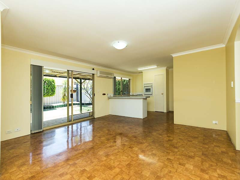 9 Myago Court, South Guildford WA 6055, Image 2