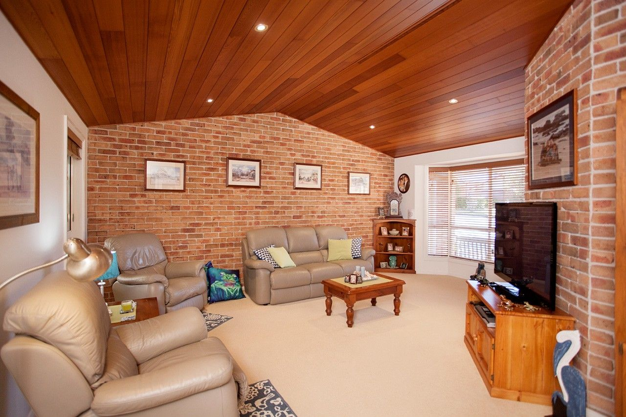 4 Laurina Close, Old Bar NSW 2430, Image 1